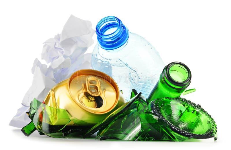 包括玻璃塑料金属和纸的可再循环的垃圾 免版税图库摄影