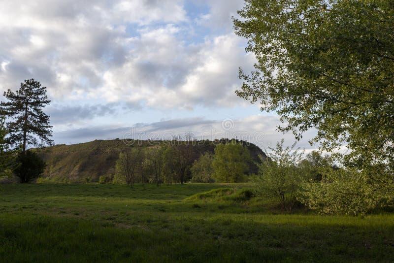 匈牙利埃尔德附近的绿山 库存图片