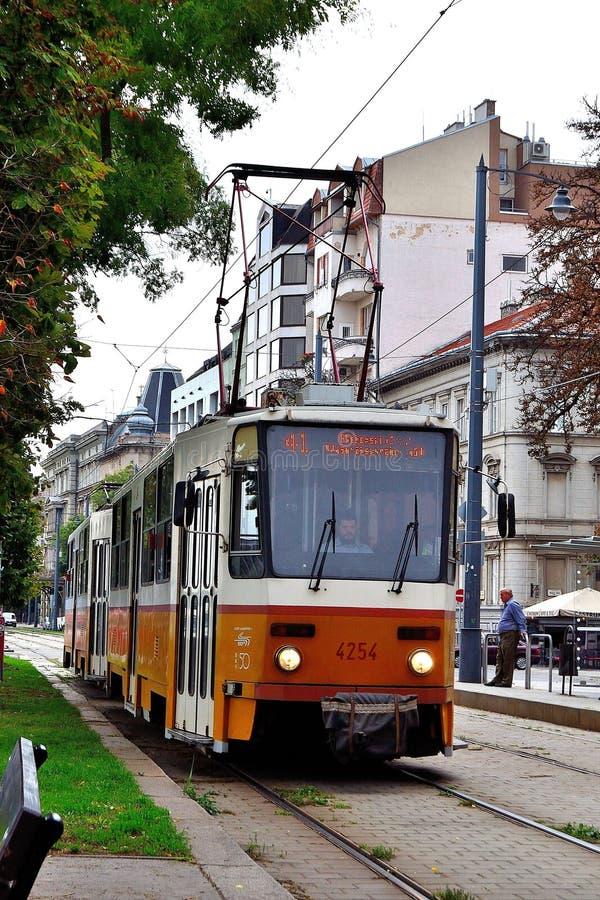 匈牙利布达佩斯城的电车移动图 免版税库存图片