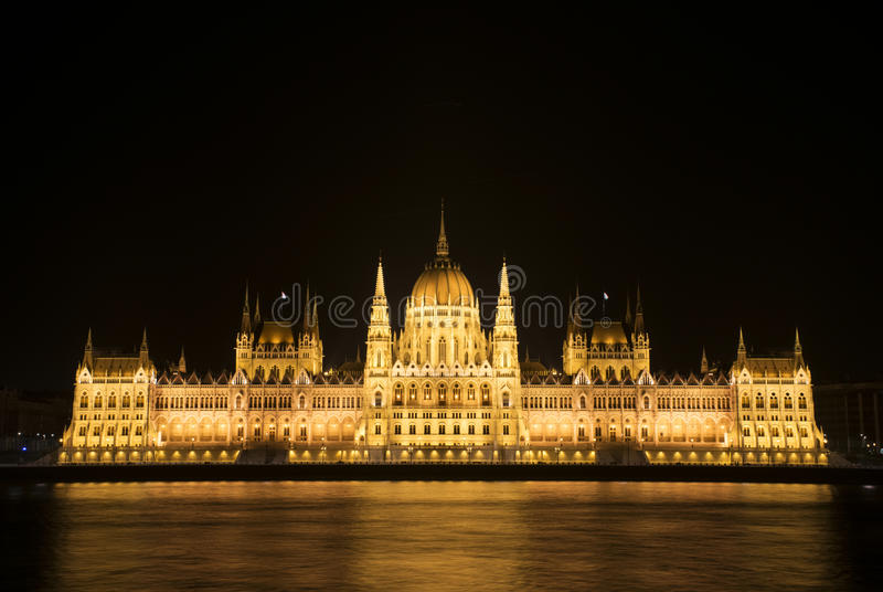 匈牙利晚上议会 图库摄影