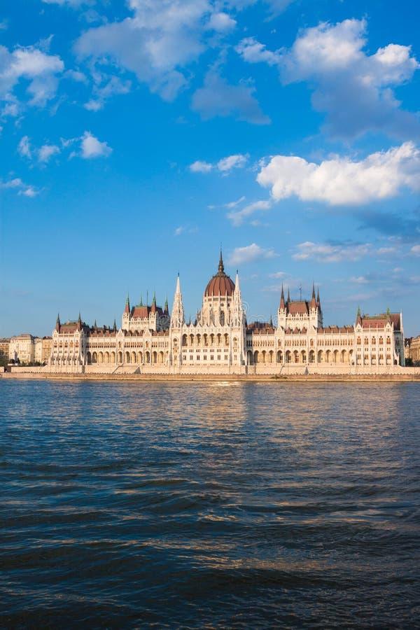 匈牙利议会大厦看法在布达佩斯,匈牙利 免版税库存图片