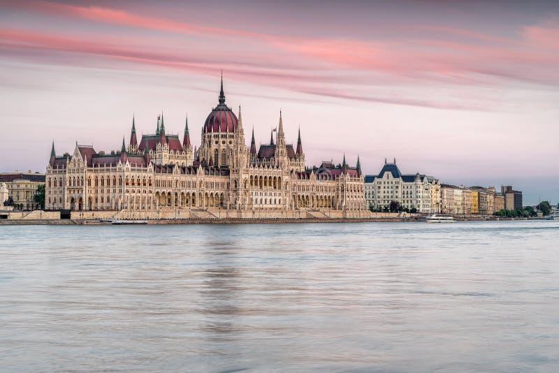 Download 匈牙利议会 库存照片. 图片 包括有 政治, 政府, 城市, 发芽的, 黄昏, 地平线, 议会, 匈牙利 - 72358898