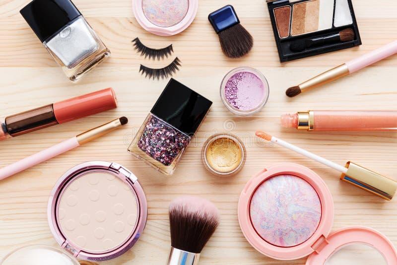 化妆用品和构成产品 免版税图库摄影