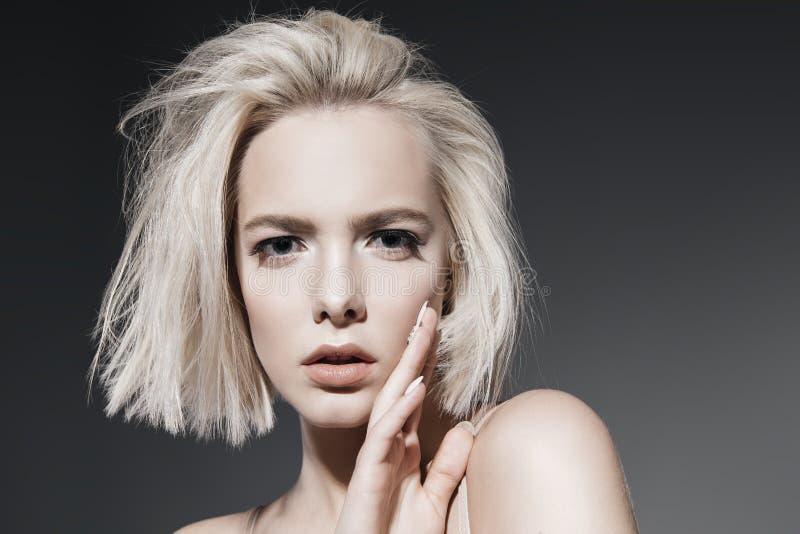 化妆用品裸体构成 免版税库存图片