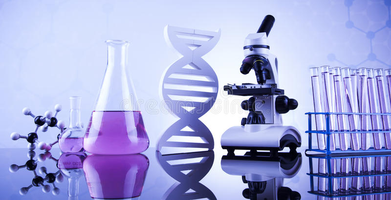 化学科学,实验室玻璃器皿背景 免版税库存图片