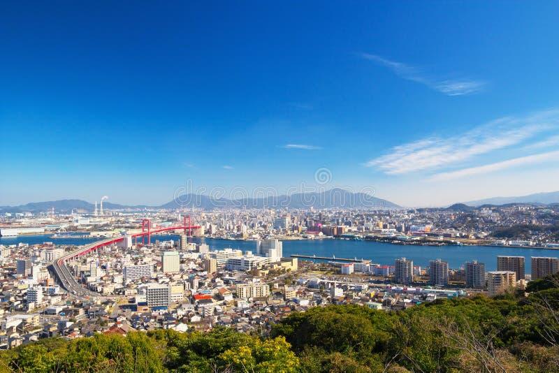 北九州市看法有Wakato桥梁的在北九州,日本 库存照片