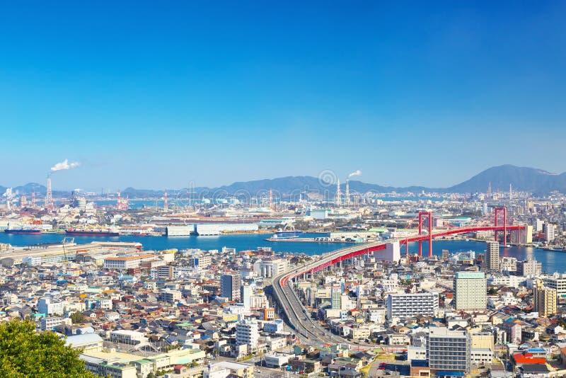 北九州市看法有Wakato桥梁的在北九州,日本 免版税库存照片