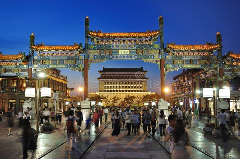 北京晚上qianmen场面街道 免版税库存图片