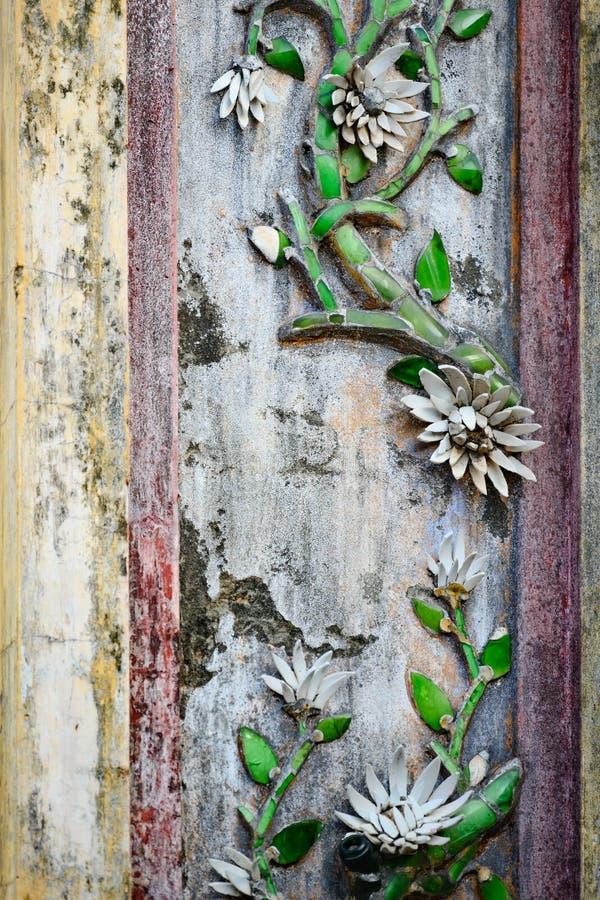 北京皇城颜色,越南,柱子装饰在颜色紫禁城  免版税库存照片