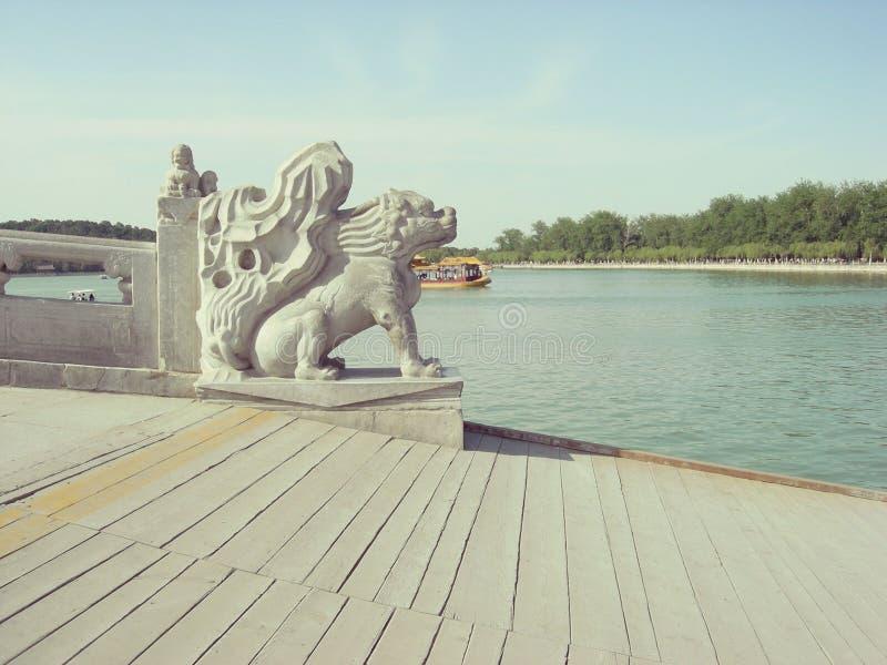北京颐和园桥梁葡萄酒 免版税库存图片