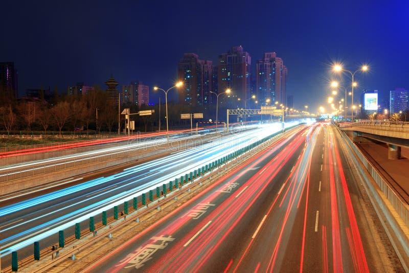 北京高速公路在晚上 免版税库存图片