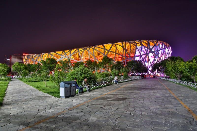 北京-中国, 2016年5月:全国体育场,亦称鸟的巢,在晚上 免版税库存图片