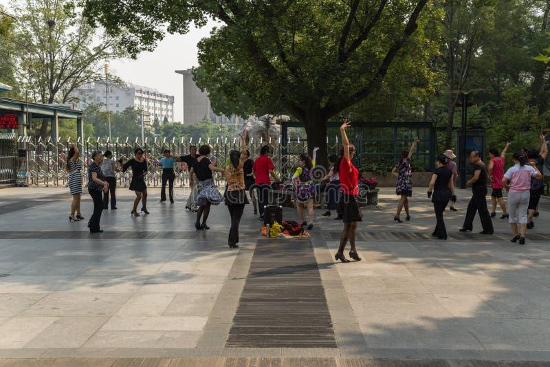 北京 跳舞作为一种健康生活方式一部分在中国 免版税库存图片