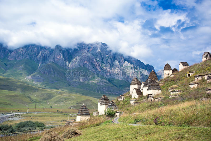 北奥塞梯的死的镇Dargavs 库存照片