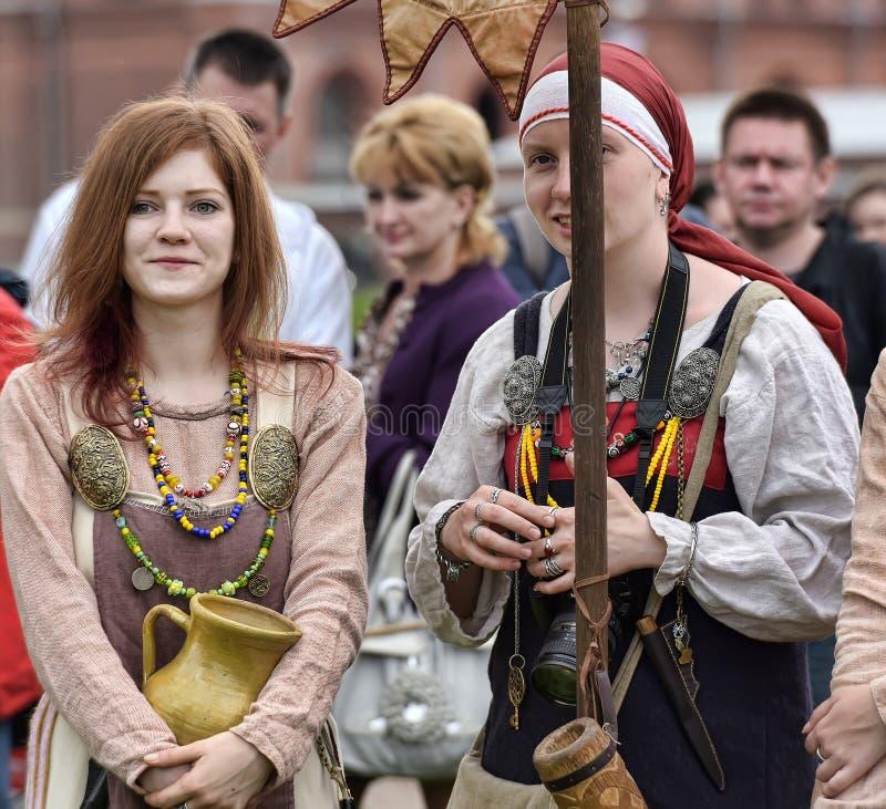 Download 北欧海盗历史衣裳的妇女 编辑类库存照片. 图片 包括有 服装, 节日, 吸引力, 克拉科夫, 目的地, 节假日 - 59107838