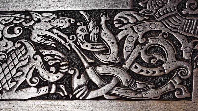 北欧海盗木雕刻狼 库存图片