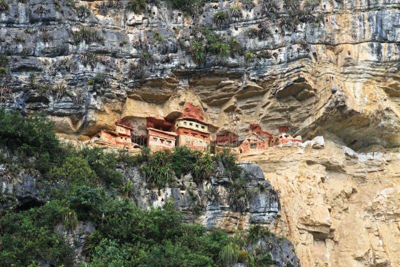 北秘鲁的山的前印加人陵墓Revash 免版税库存照片