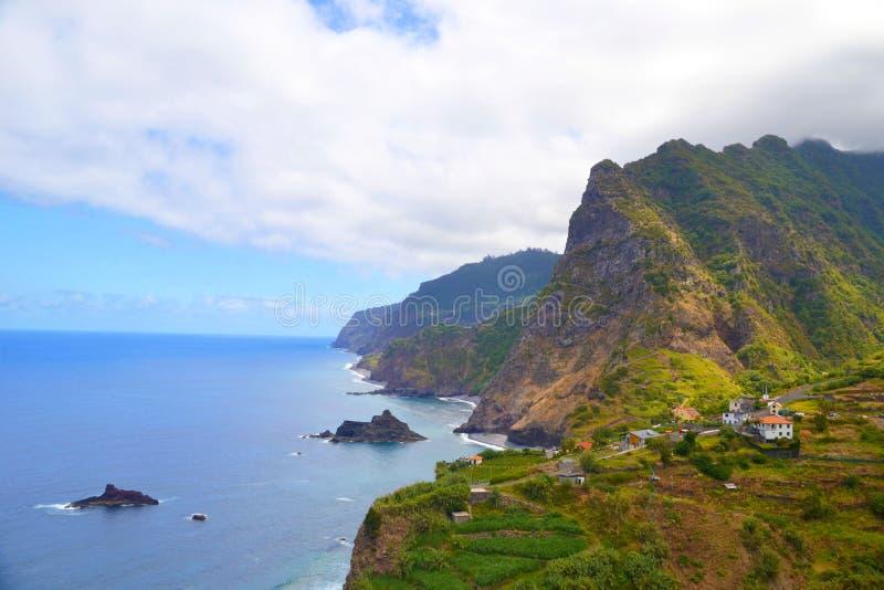 北部马德拉岛海岛看法  免版税库存图片