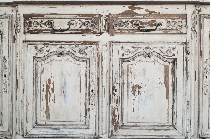 匙孔古老白色洗脸台局家具特写镜头有油漆的剥落了 免版税库存图片