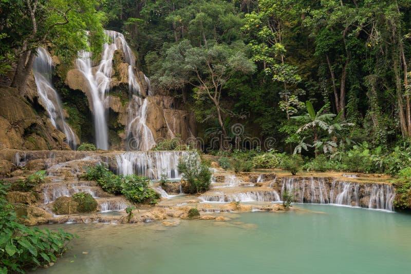 匡Si瀑布在老挝 免版税库存照片