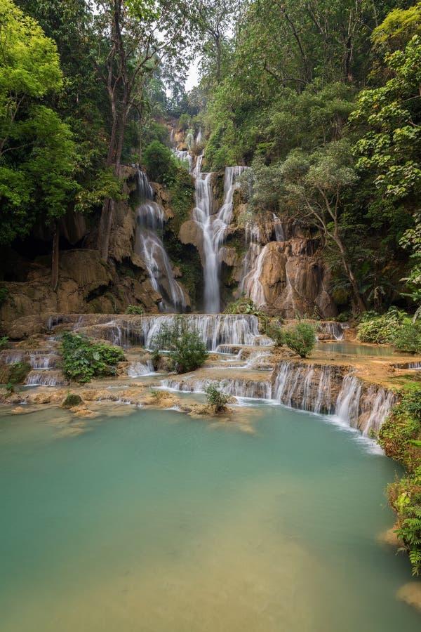 匡Si瀑布在老挝 库存图片