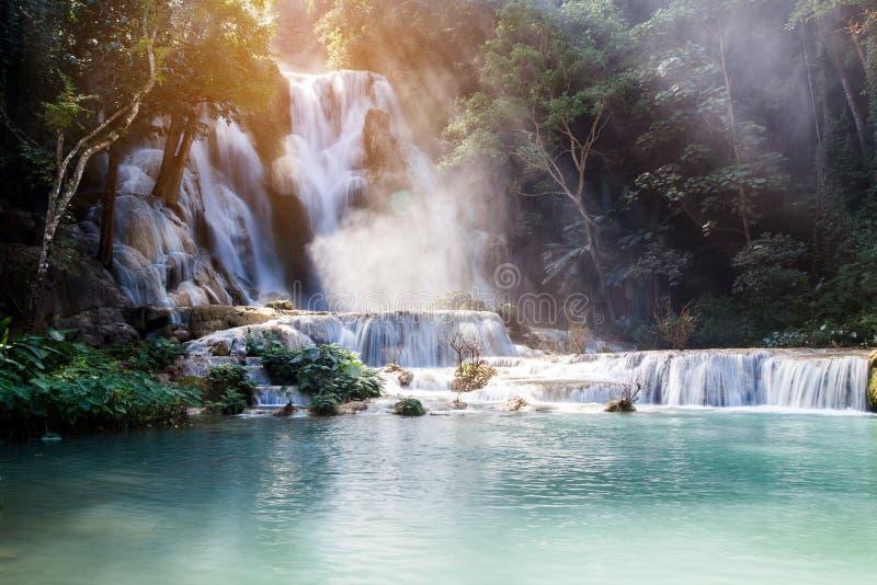 匡Si瀑布& x28; Tat Guangxi& x29; 琅勃拉邦,老挝 库存图片