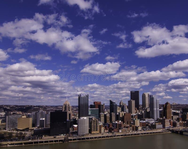 匹兹堡,宾夕法尼亚,美国3/15/2109街市看法从格兰德维尤的在Mt华盛顿俯视 库存图片