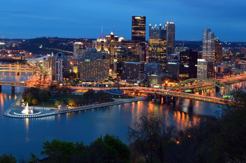 匹兹堡,黄昏的宾夕法尼亚 免版税库存图片