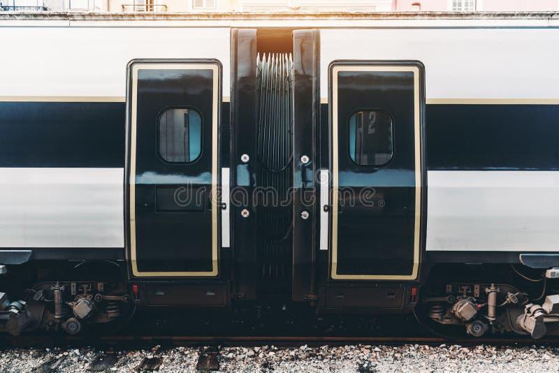 区域加入两辆火车无盖货车 图库摄影