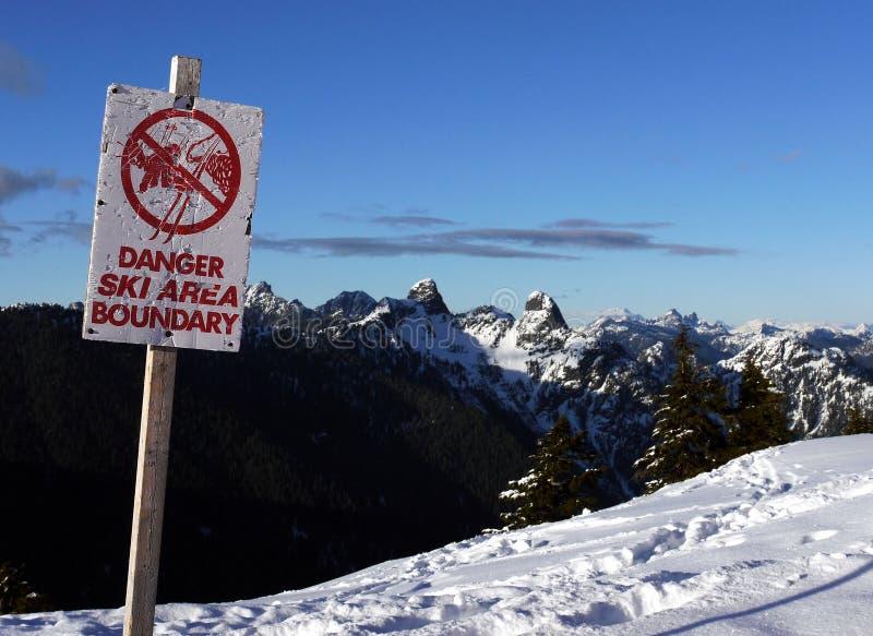 区域界限危险滑雪 免版税库存图片