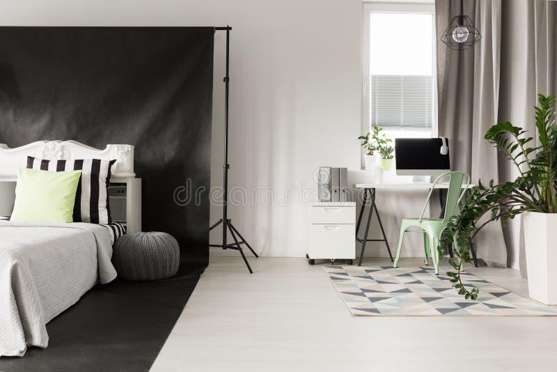 区域边界在单室公寓的 库存照片
