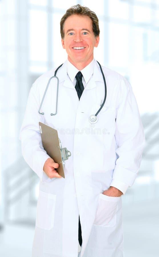 医生愉快的医院前辈 免版税库存图片