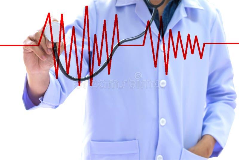 医疗保健概念,穿一件白色制服的人拿着一stethosc 免版税图库摄影