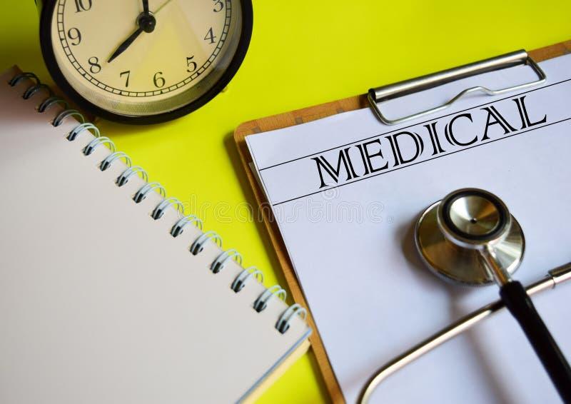 医疗在黄色背景顶部 免版税库存图片