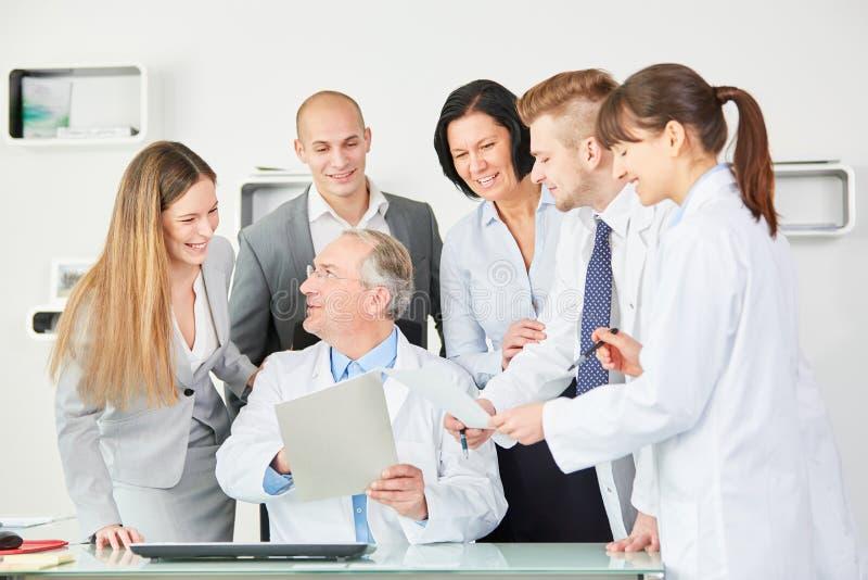 医院雇员职员和医生 免版税库存图片