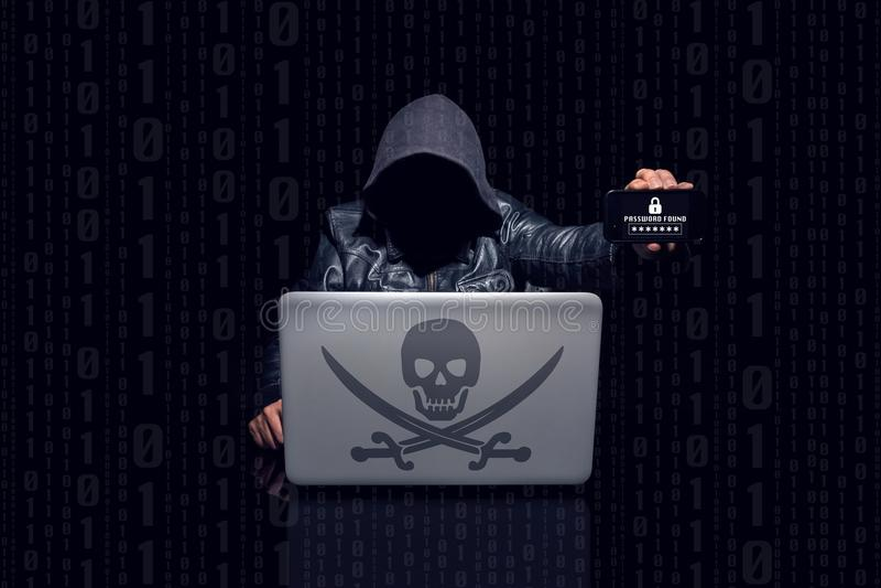 匿名黑客发现在机动性的密码 库存照片
