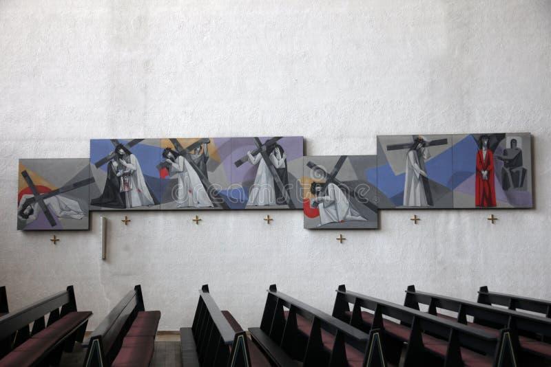 十字架的方式在三位一体的教会里在Gemunden上午主要的 免版税库存照片