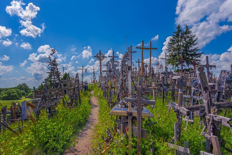 十字架,Kryziu kalnas,立陶宛小山风景  免版税库存图片