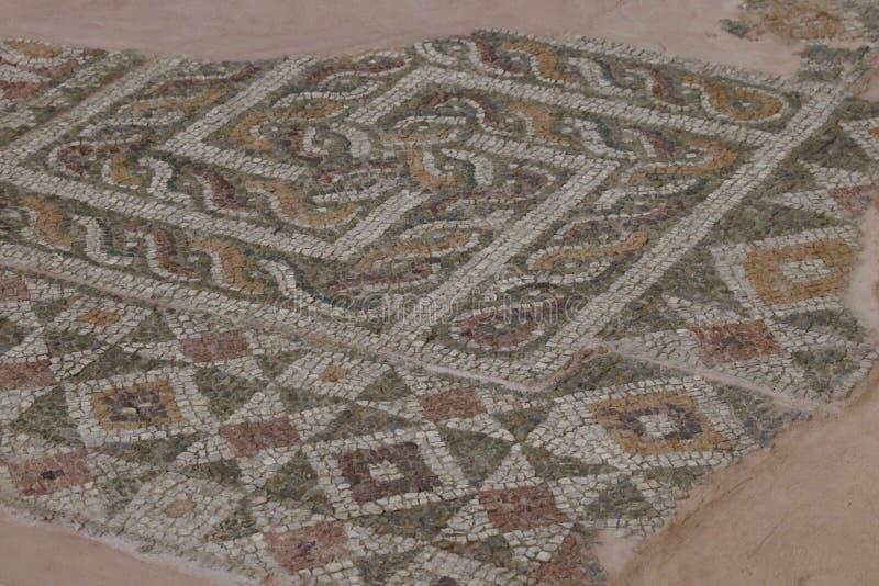 十字记号:一个古老宇宙标志 河曲是一个被简化的迷宫 库存照片