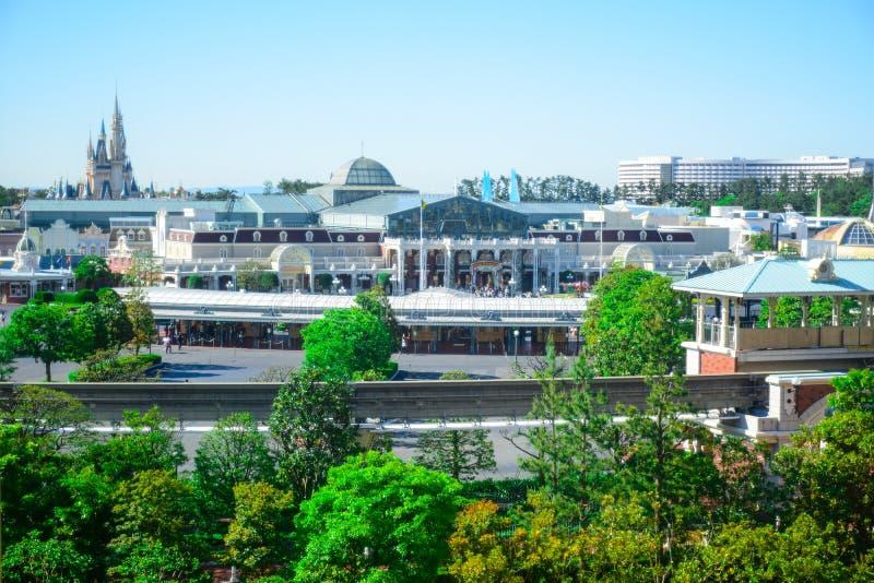 千叶,日本:东京迪斯尼乐园看法从外面在浦安,千叶,日本 免版税库存照片