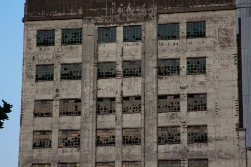 千年碾碎Windows 免版税图库摄影