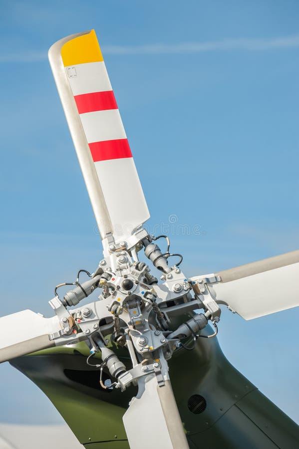 直升机动叶片 免版税库存照片