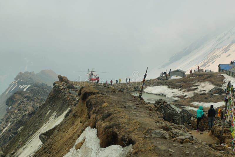 直升机在abc中,尼泊尔 库存图片