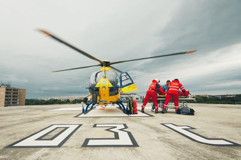 直升机紧急医疗服务 免版税库存照片