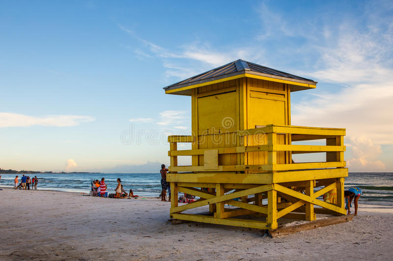 午睡关键公开海滩 免版税库存图片