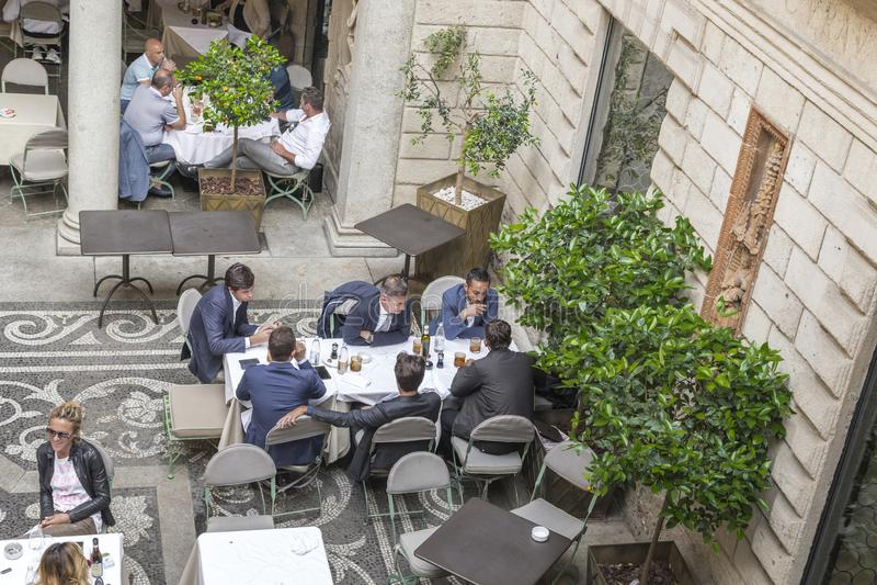 午餐在米兰 免版税库存图片