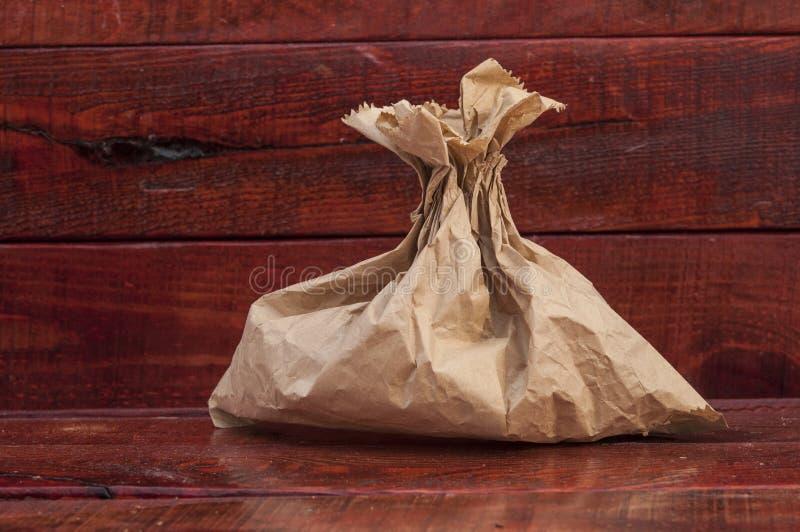 午餐或食物的简单的包装纸袋子 免版税库存照片