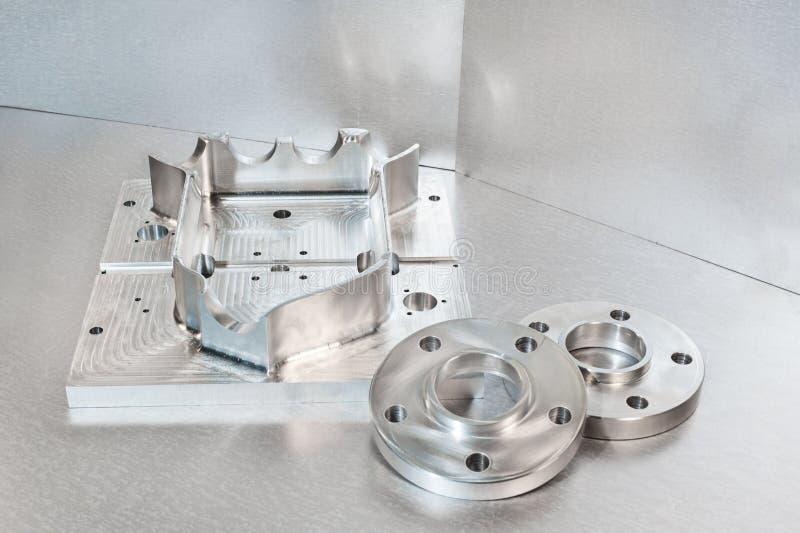 半加工钢空白的andl耳轮缘 金属工程学 库存图片