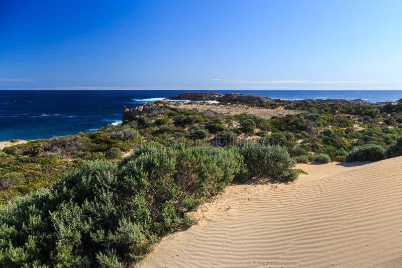 Download 半岛陆岬 库存照片. 图片 包括有 波纹, 半岛, 结构树, 陆岬, 含沙, 沿海, 岩石, 沙丘, 蓝色 - 62538948