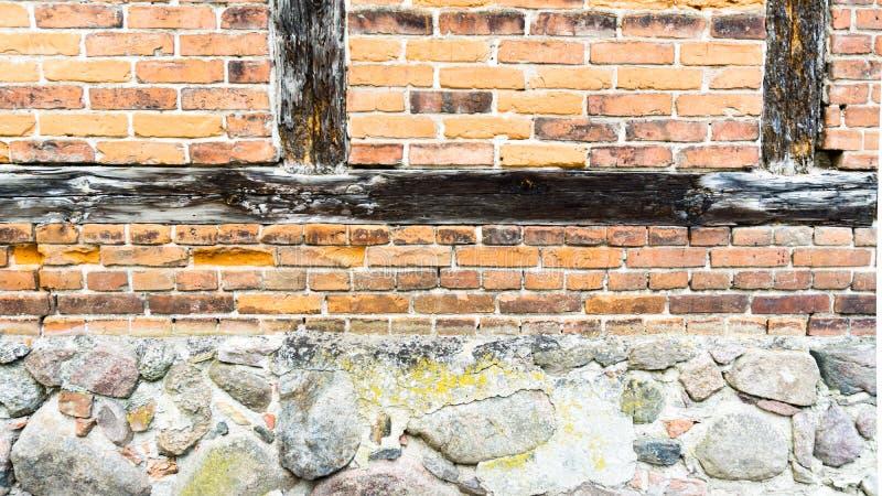 半框架墙壁在镇里 免版税库存照片
